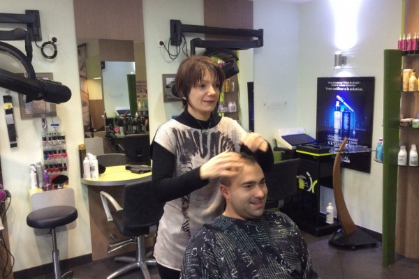 Coiffeuse coupe homme